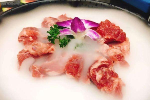 腩潮鲜牛腩火锅总部在哪里?腩潮鲜牛腩火锅加盟会有哪些支持呢?