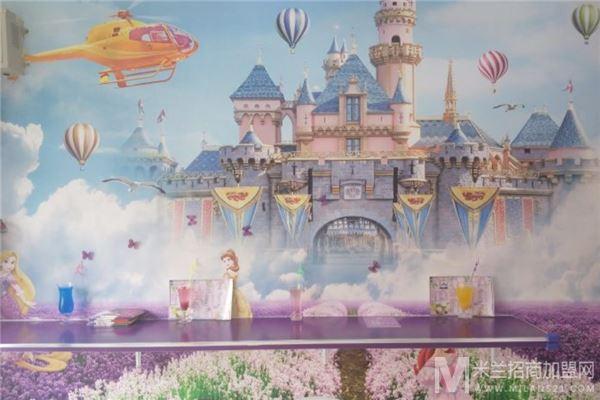 爱丽丝奇幻城堡奶茶加盟