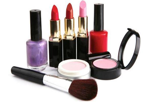 聚美丽化妆品加盟
