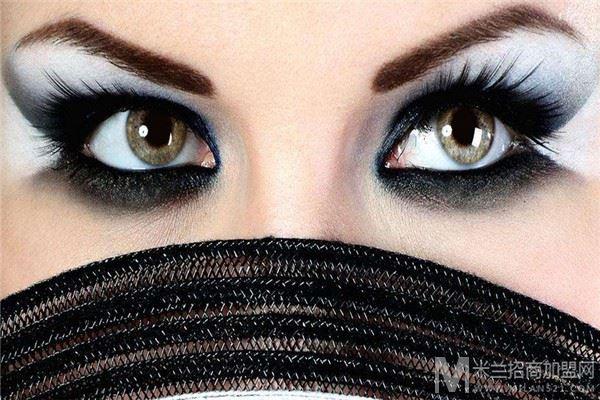 美丽之冠化妆品加盟
