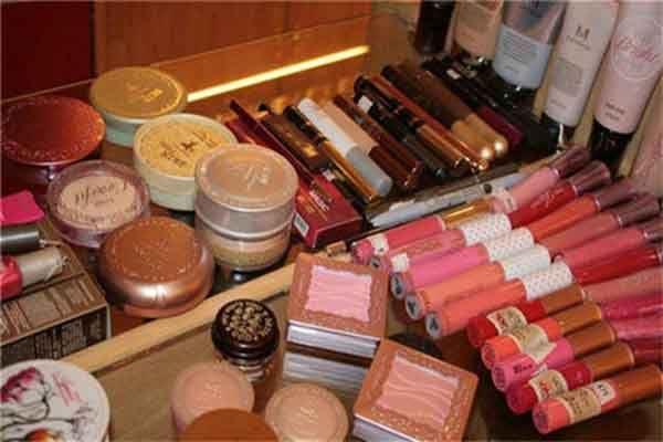 苏薇化妆品加盟