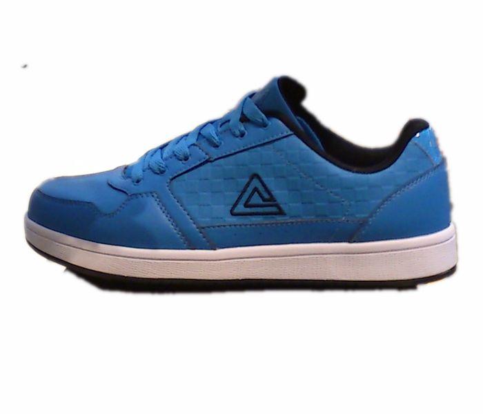 匹克运动鞋
